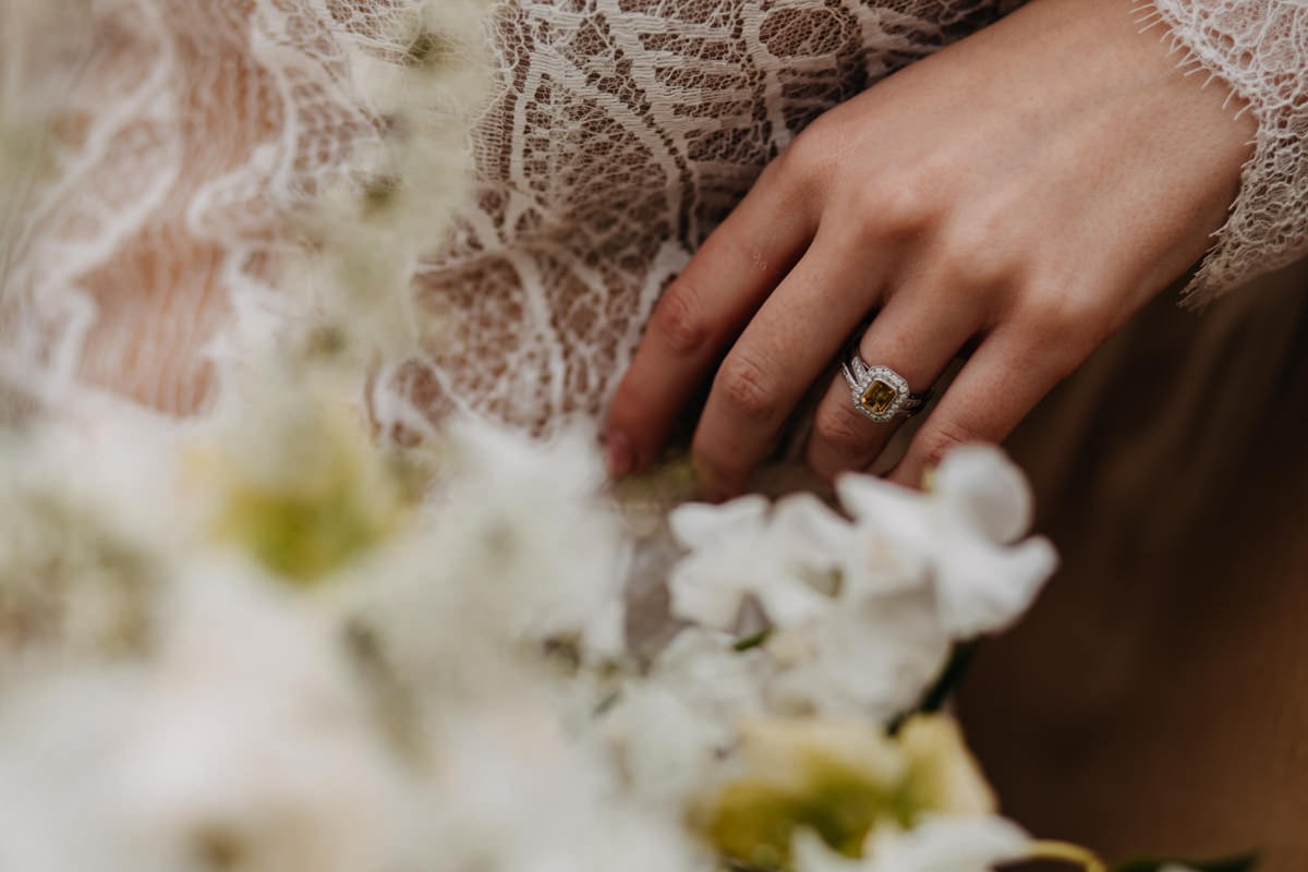 victorian-wedding-ring-presented-on-a-bdise-finger-phorpgrapherd-by-came-house-wedding-photographer